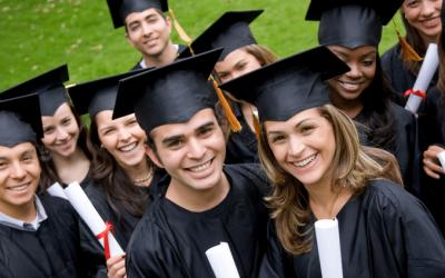 اگر دانشجویی مشمول سربازی باشد چگونه برای پذیرش دانشگاه خارج از کشور اقدام کند؟